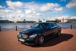 Mercedes E 212 Restyling Black